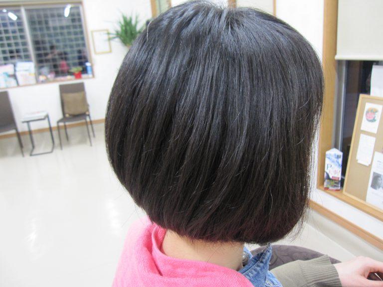 長い髪をバッサリ!
