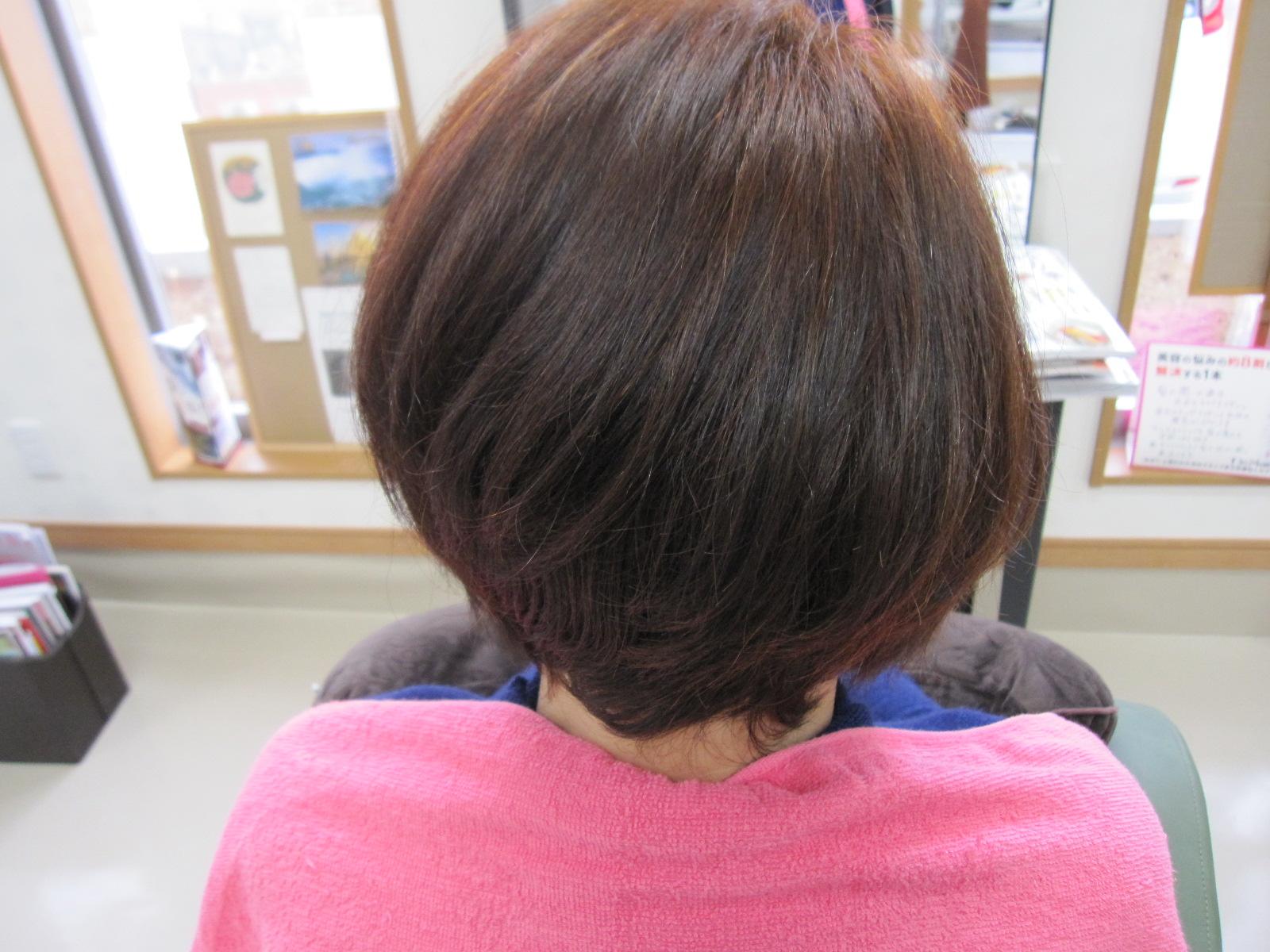 クセで広がる髪!天然ヘナ100%で染めたら・・収まった~