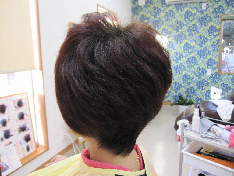 縮毛矯正が、うねる!髪の毛の邪魔をする。