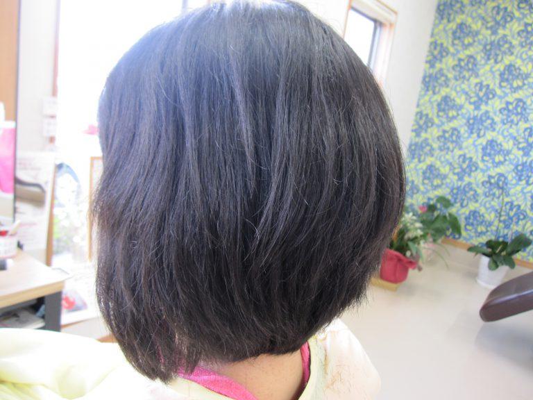 ロングの髪をバッサリ!!