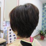 キュビズムカットと天然ヘナ100%と2度染めで髪が素敵に変身^^