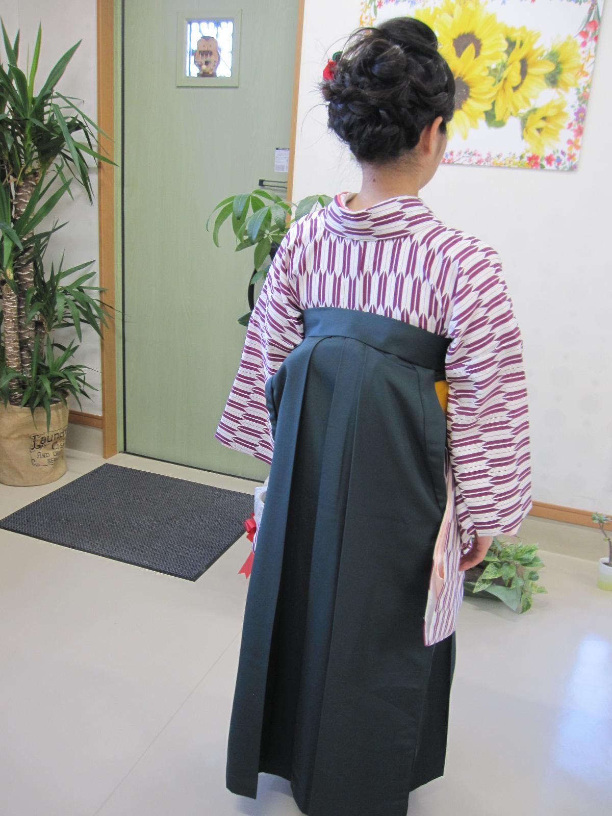 おめでとうございます。袴のきつけです。