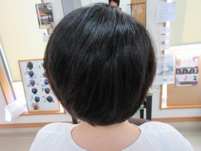 くせ毛で複雑に髪が生えてても、キュビズムカットでブレずにカット