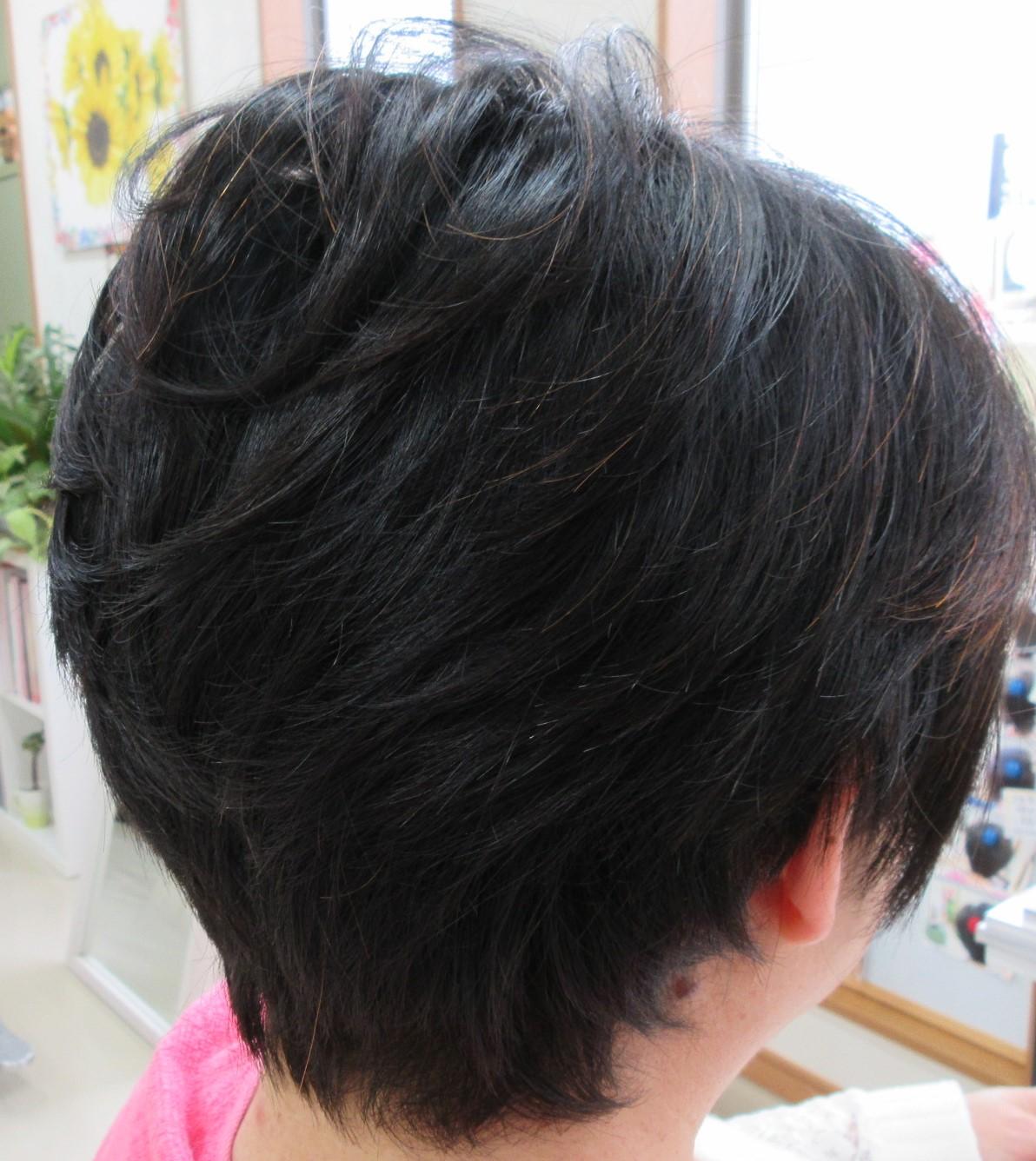 スキばさみを使わないカットで髪がツヤツヤ