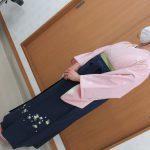 卒業袴のお着付け承っております。